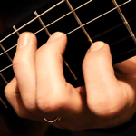 dita-chitarra